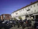 Ankunft in Dogliani am Caffe Riviera